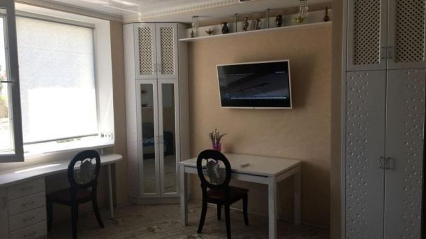 Сдаётся двухкомнатная квартира люкс в Евпатории