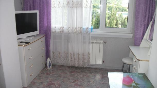 Сдается уютная двухкомнатная квартира в Алуште ул.Ленина
