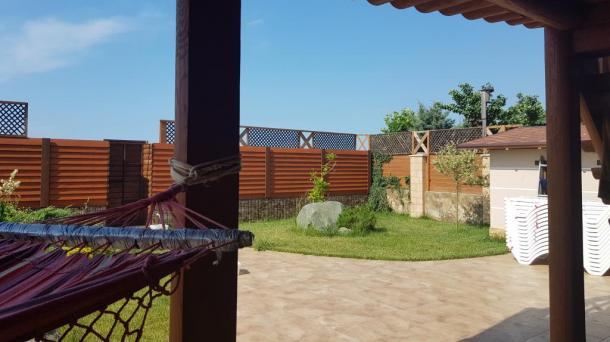 Дом VIP класса в Евпатории  на берегу моря.