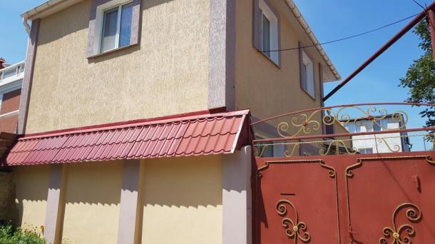 Четырехкомнатный дом в Евпатории  ул.Санаторская